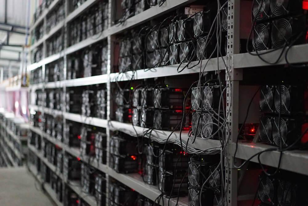 Майнинг криптовалют опять становится популярным: кому это выгодно?